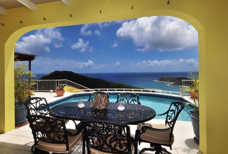 St John rental villa, Daffodil Villa seating 2