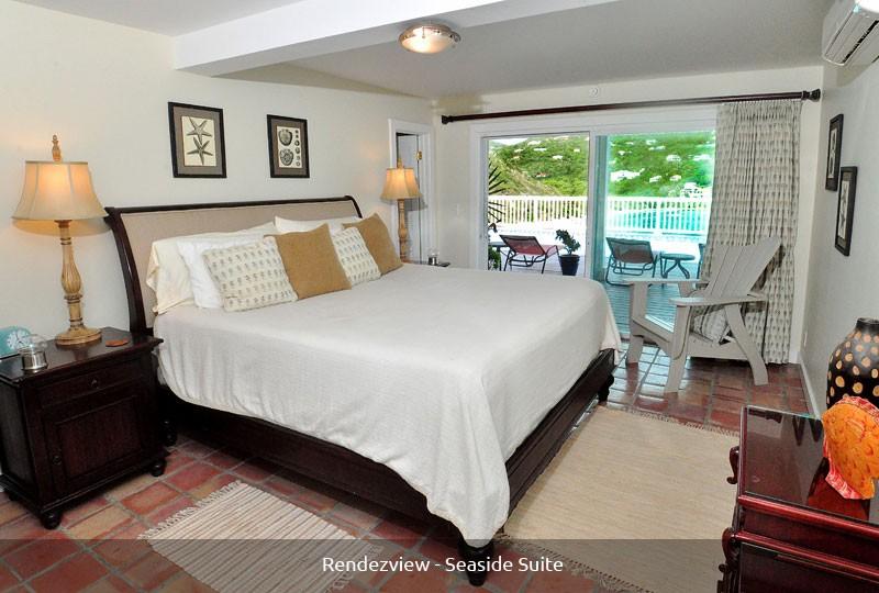 Rendezview Villa Seaside Suite and pool view