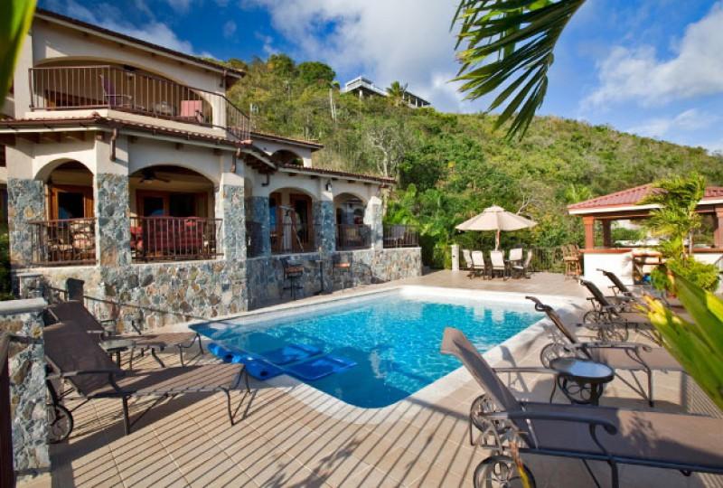 Villa Tesori pool and view