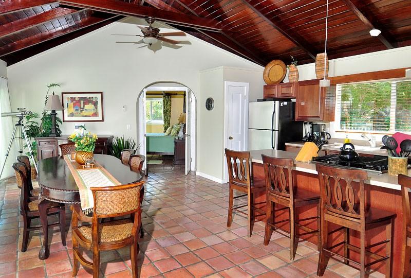 St John villa rental, Rendezview, kitchen and dining room